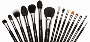 The 10 essential brushes in your toiletry bag