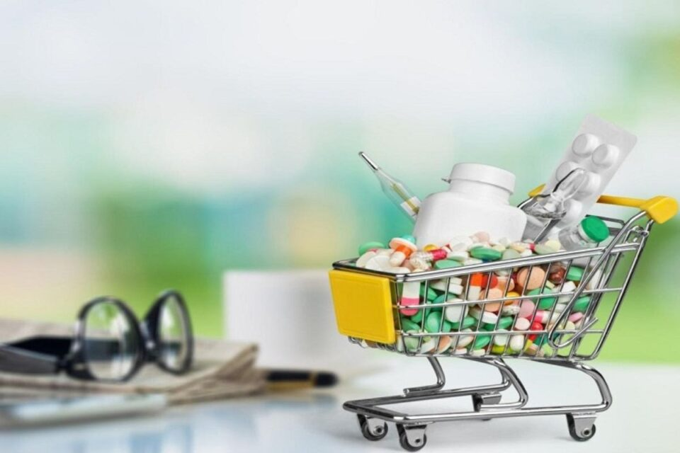 things-to-know-about-online-pharmacies